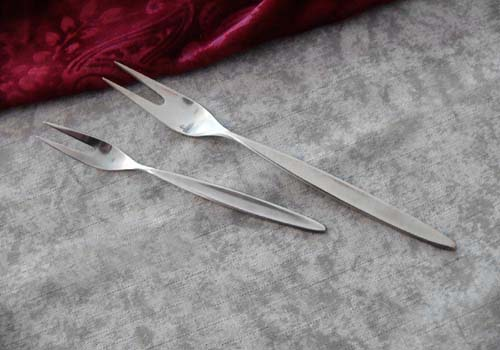Bruckmann 766 Palace 2 Meat Forks 90 silverplated